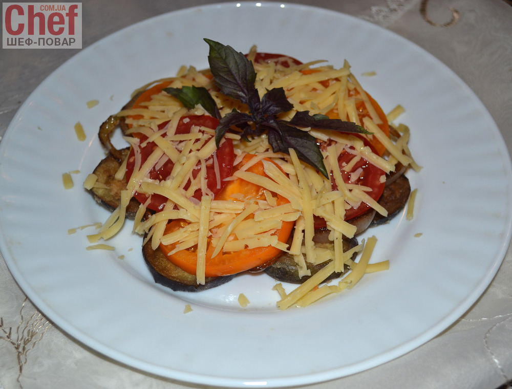 Салат из помидоров и огурцов с майонезом укроп