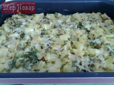 запеканка(картошка с овощами и ананасами под сыром)...