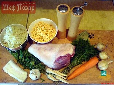 Простейший рецепт шарлотки на кефире с яблоками