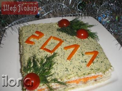 Новогодний закусочный торт